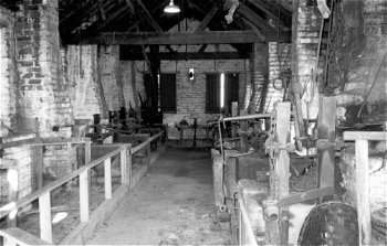 Photo of a chainshop interior - by Pat Palmer.